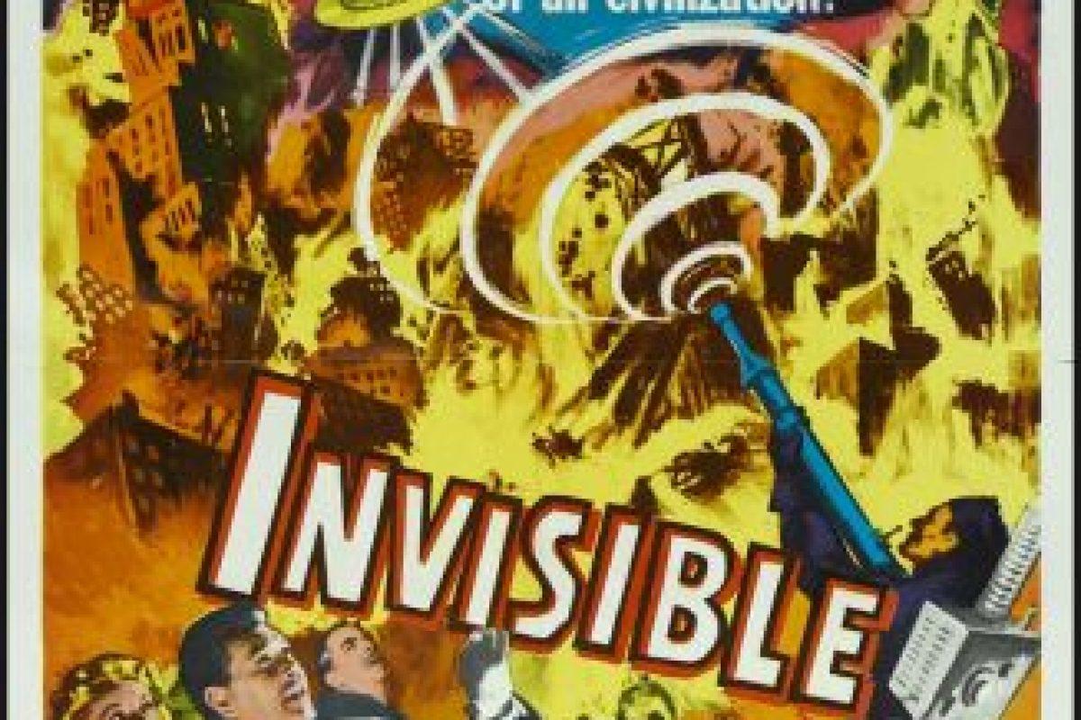 Bruce Jay y su equipo de científicos deben derrotar a una horda invasora de criaturas invisibles del espacio exterior Foto:Premium Pictures/United Artists. Imagen Por:
