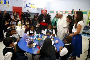 Los niños ponían atención a lo que el pontífice decía. Foto:AFP. Imagen Por: