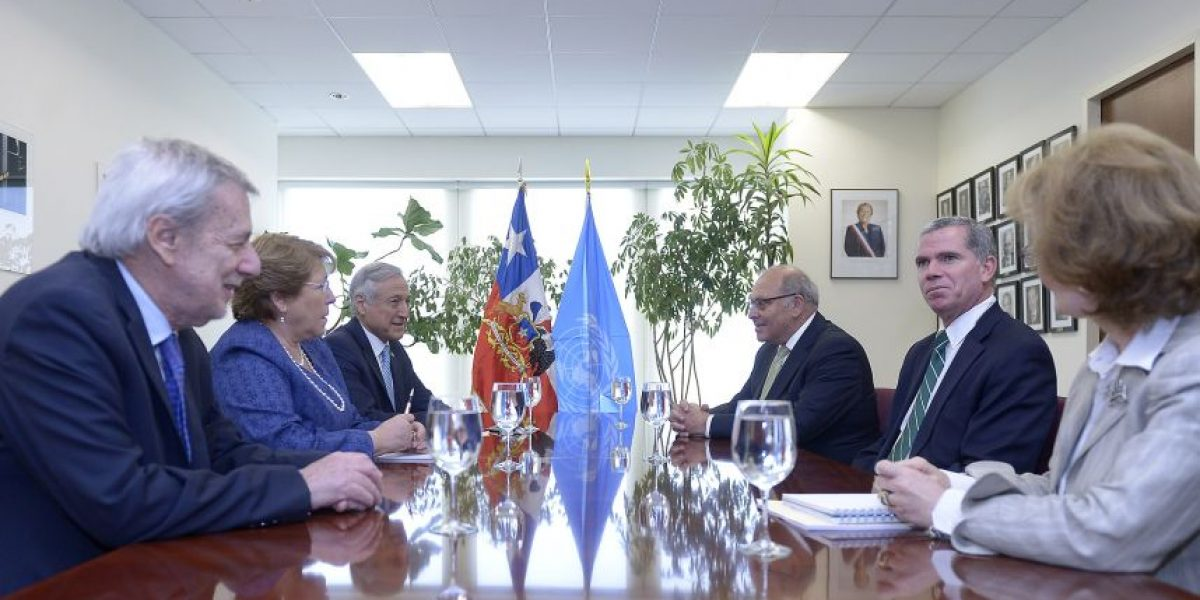 Bachelet ratifica a Bulnes y al equipo jurídico para defensa en La Haya