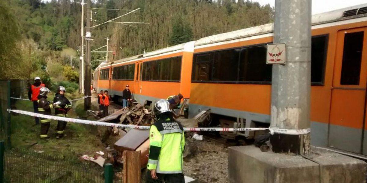Sube número de fallecidos tras choque entre auto y Biotrén en Hualqui