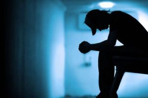 La esquizofrenia es una enfermedad mental crónica y muy desgastante. Quien la sufre suele presentar pensamiento anormal, pérdida del contacto con la realidad, alucinaciones (ve y oye cosas que no son reales) y desilusiones (creencias que no son ciertas o son falsas). Foto:Tumblr. Imagen Por: