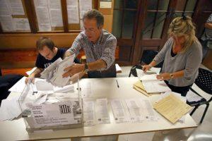 Mesa de votación de las elecciones autonómicas de Cataluña Foto:Efe. Imagen Por:
