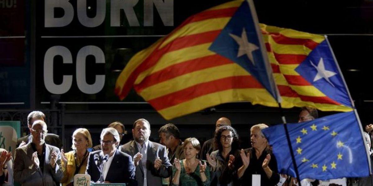 Nacionalistas ganan los comicios en Cataluña sin mayoría absoluta