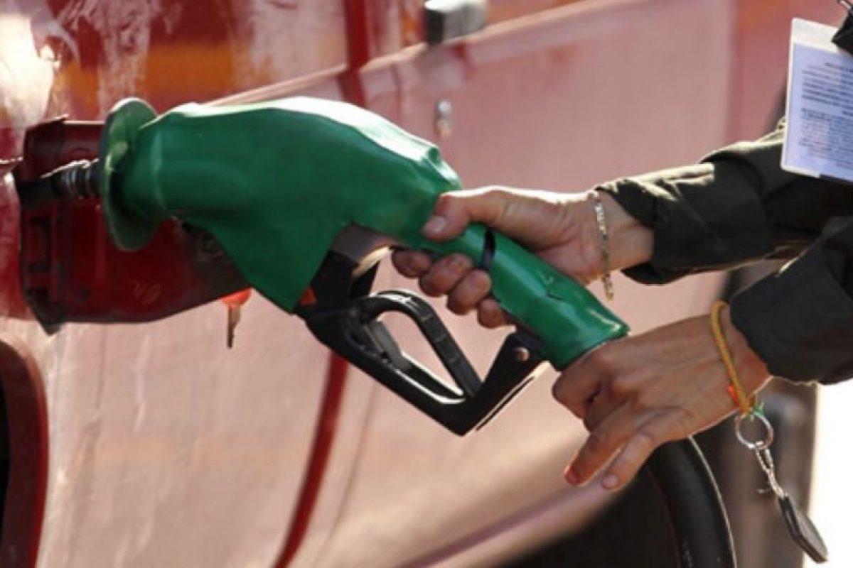 La única forma de que pudiera originarse una chispa en una gasolinera a partir del uso de móviles sería por un defecto en la batería, algo improbable y que también puede ocurrir en el caso de la propia batería del automóvil. Foto:Tumblr. Imagen Por: