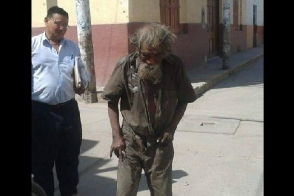 Luciano Chumán es un hombre de 83. Foto:Vía facebook.com/municipalidaddeferrenafe. Imagen Por: