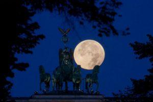 También se dejó ver en Berlin. Foto:AFP. Imagen Por: