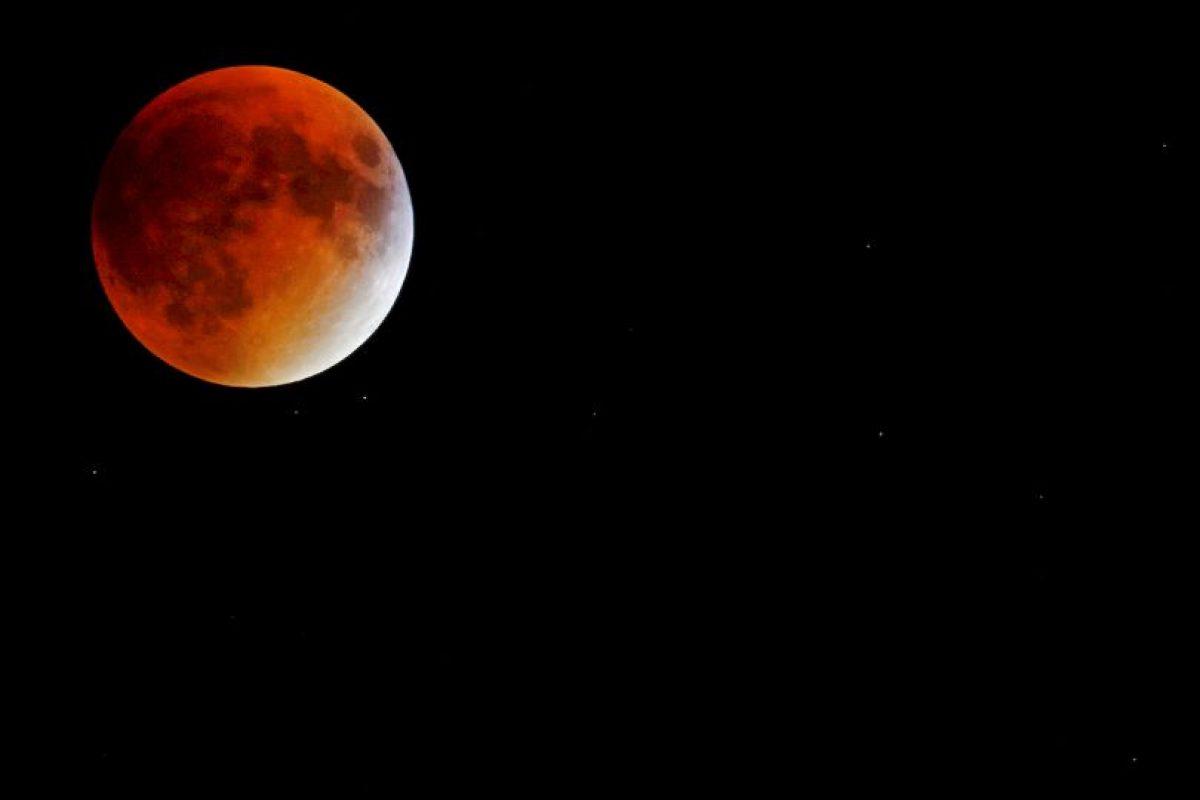 """En Nueva York fue completamente una """"luna de sangre"""". Foto:AFP. Imagen Por:"""