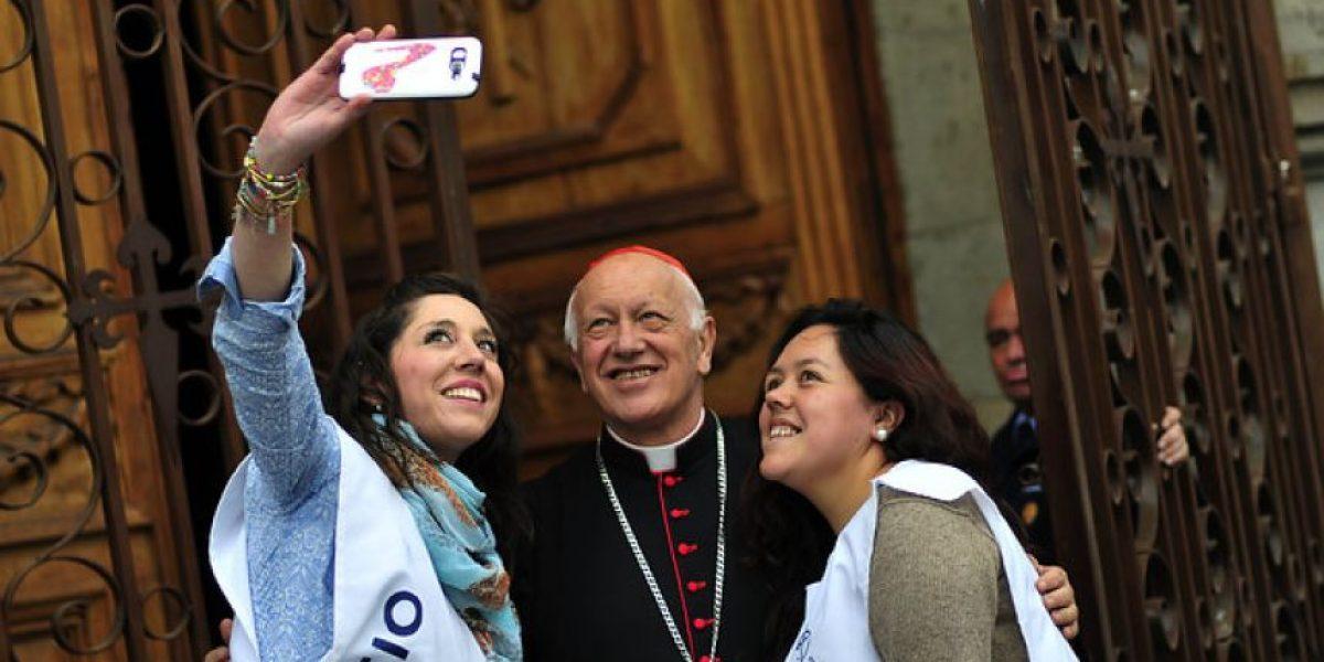 Cientos de personas se tomaron las calles de Santiago en la procesión de la Virgen del Carmen