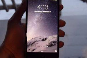 El iPhone fue enterrado en la nieve durante 24 horas. Foto:vía TechRax. Imagen Por: