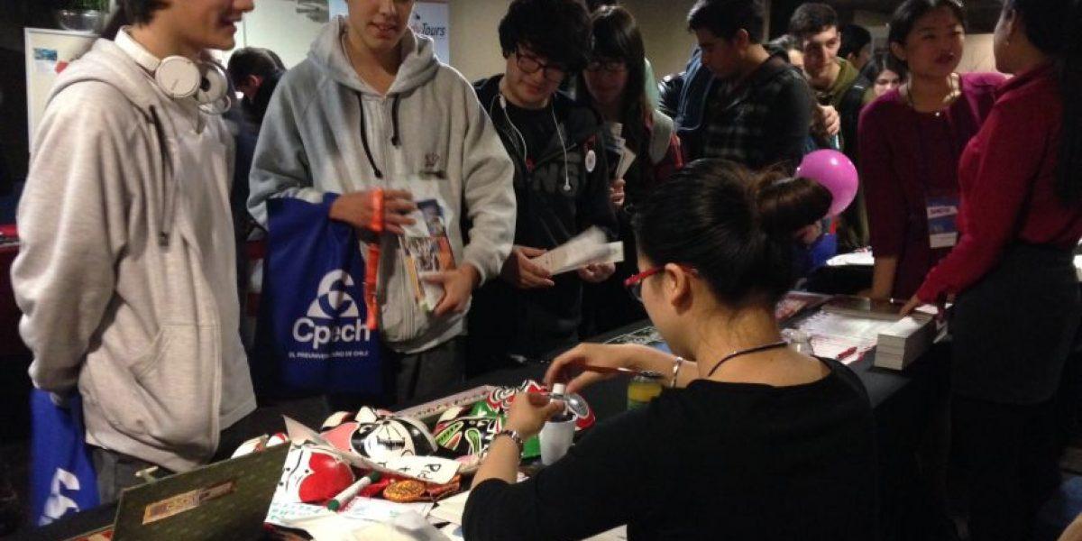 Feria educacional ofrece más de cien opciones para estudiar y trabajar en el extranjero
