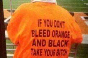 """""""Si no te gusta el naranja y negro, lleva tu trasero de vuelta a casa"""" Foto:Tumblr. Imagen Por:"""