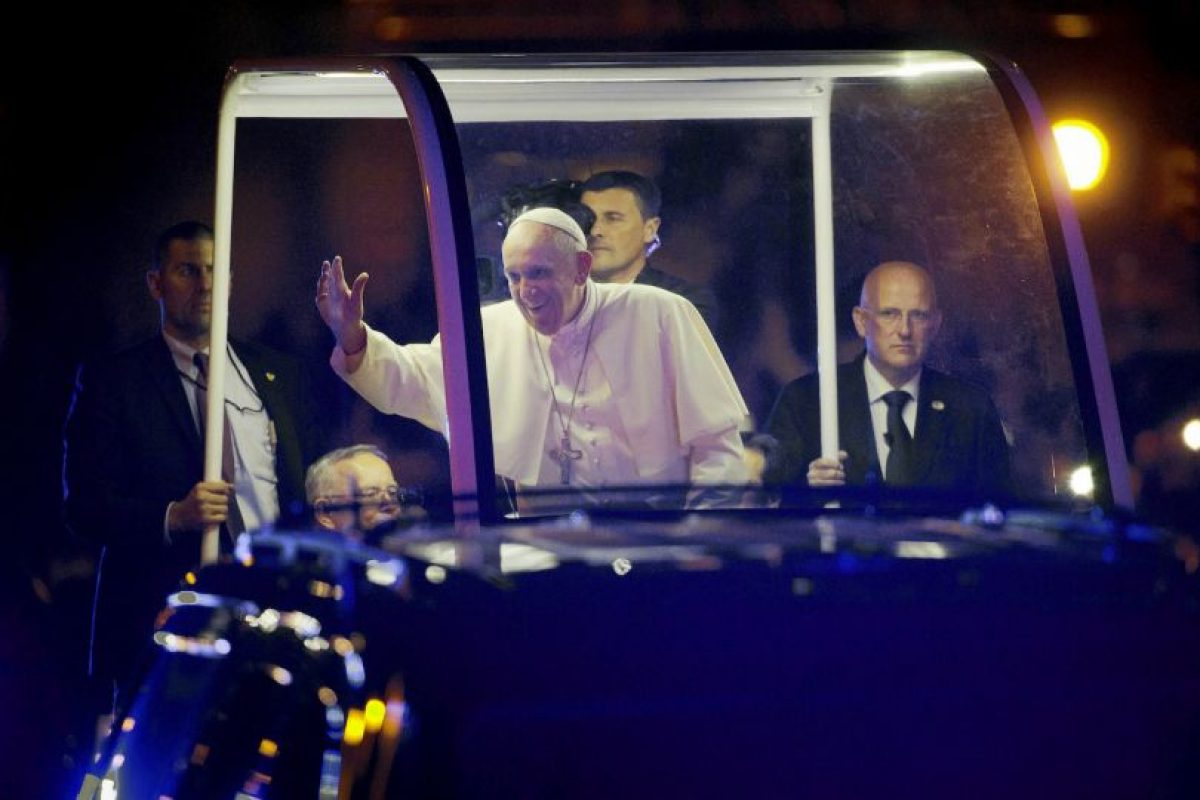 En sus discursos el Papa pidió por los migrantes. Foto:AP. Imagen Por: