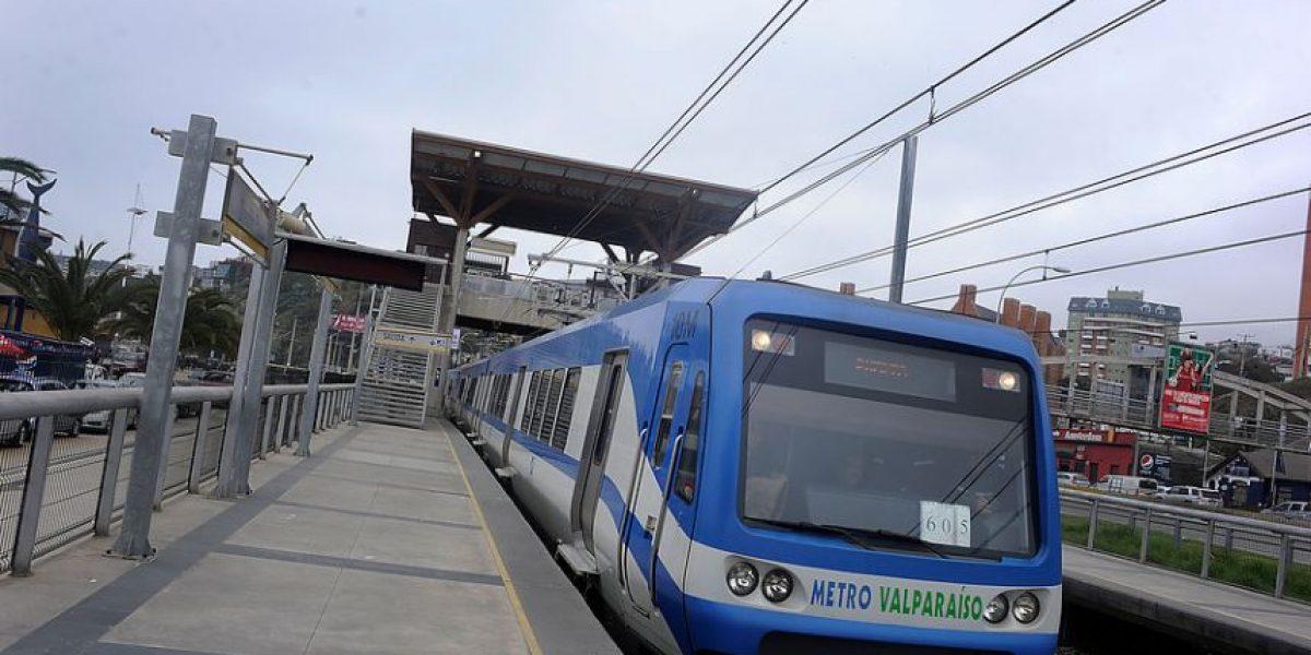 Mujer cayó a vías del Metro de Valparaíso: ahora está internada