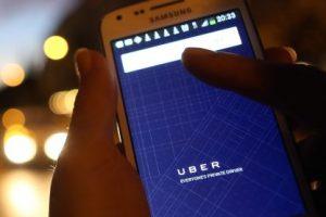 Uber da facilidades a sus usuarios para que viajen. Foto:Getty Images. Imagen Por:
