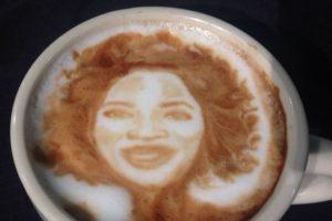Oprah Winfrey Foto:Vía Instagram @baristart. Imagen Por: