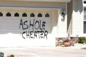 Poner un aviso en la casa. Foto:vía Facebook. Imagen Por: