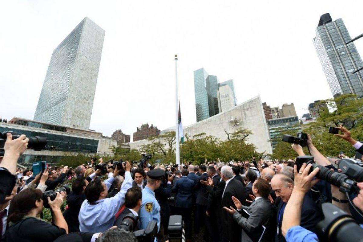 Hoy fue un día histórico, pues fue izada por primera vez la bandera de Palestina Foto:AFP. Imagen Por:
