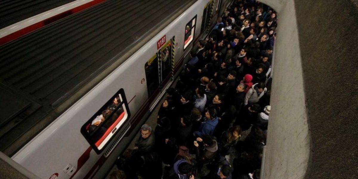 Metro restablece servicio tras operativo policial por objeto olvidado