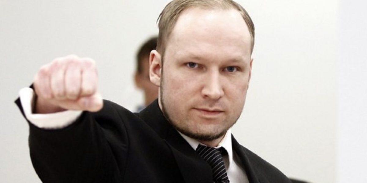 Asesino de la masacre de Noruega en huelga de hambre reclama una mejor Play Station