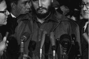 Unos años después de que la Revolución Cubana lo llevó al poder, Fidel Castro (en su carácter de Primer Ministro de Cuba), visitó Nueva York y participó en la Asamblea General Foto:Wikimedia. Imagen Por: