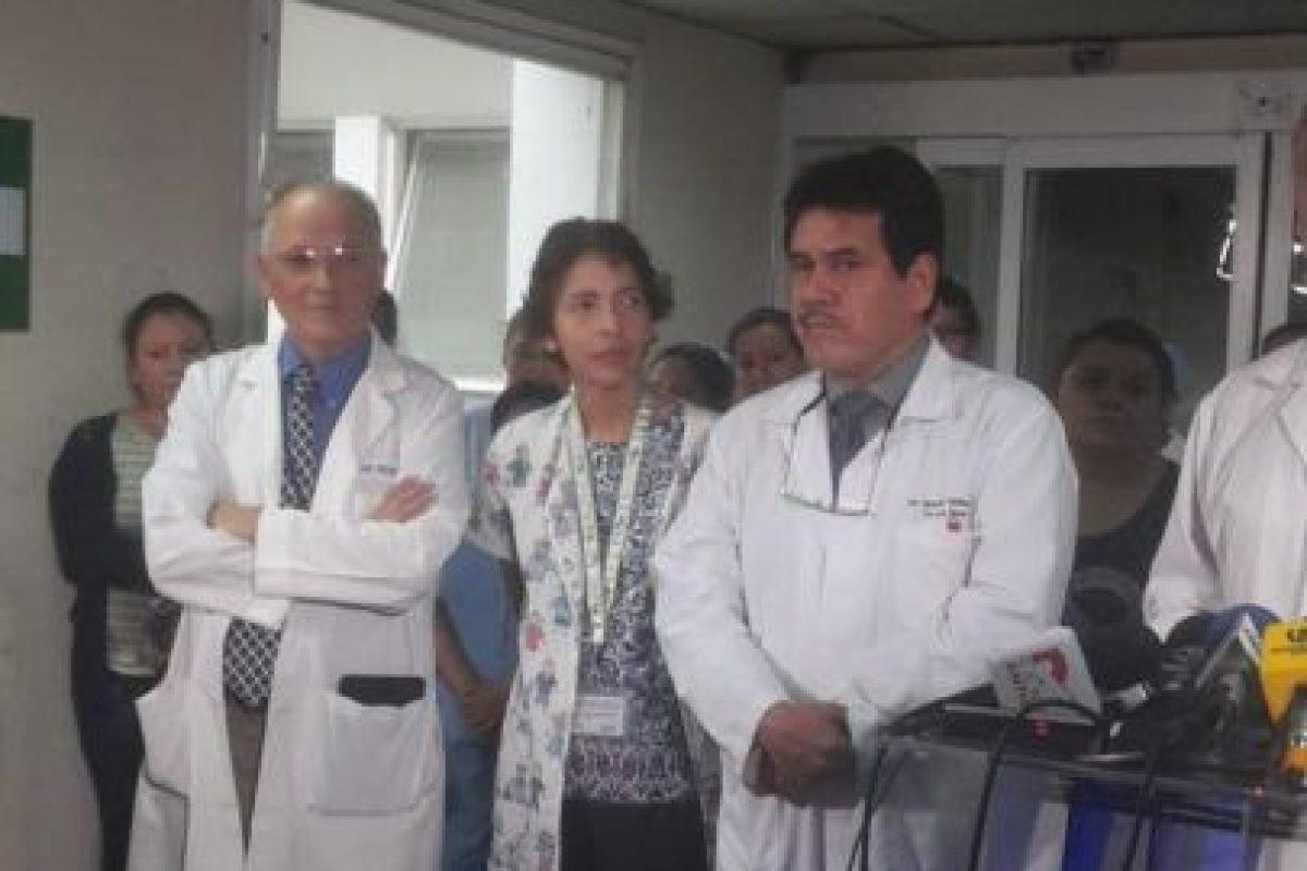 Carlos Soto, director del hospital Roosevelt, confirmó que las niñas están fuera de peligro y que fueron separadas con éxito. Foto:Twitter.com/HRooseveltGT. Imagen Por: