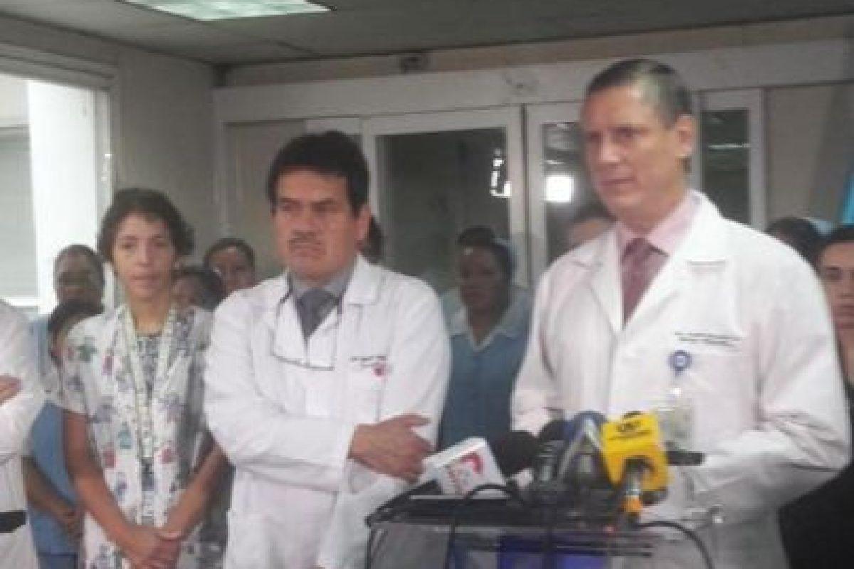 El equipo médico fue dirigido por el pediatra Javier Bolaños. Foto:Twitter.com/HRooseveltGT. Imagen Por: