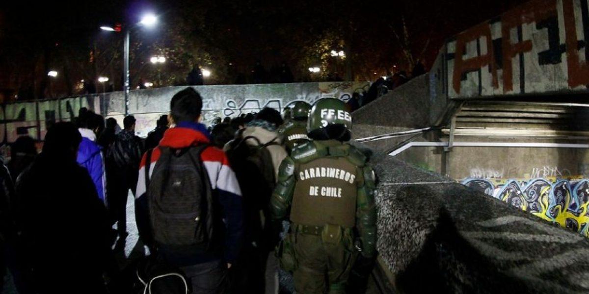 Manifestaciones derivan en cierre de accesos a estación del Metro