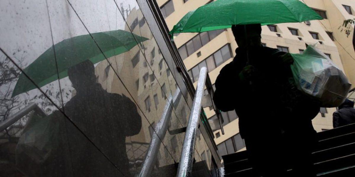 """""""Niño Godzilla"""" lo hizo otra vez: anuncian lluvias para el jueves en Santiago"""