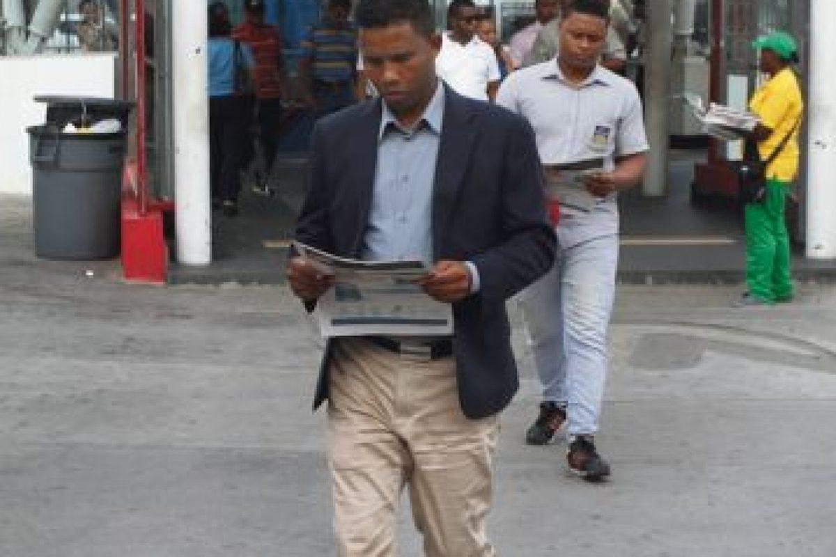 Se entregarán 100 mil ejemplares diarios en casi 100 puntos. Foto:Roberto Guzmán/Metro República Dominicana. Imagen Por: