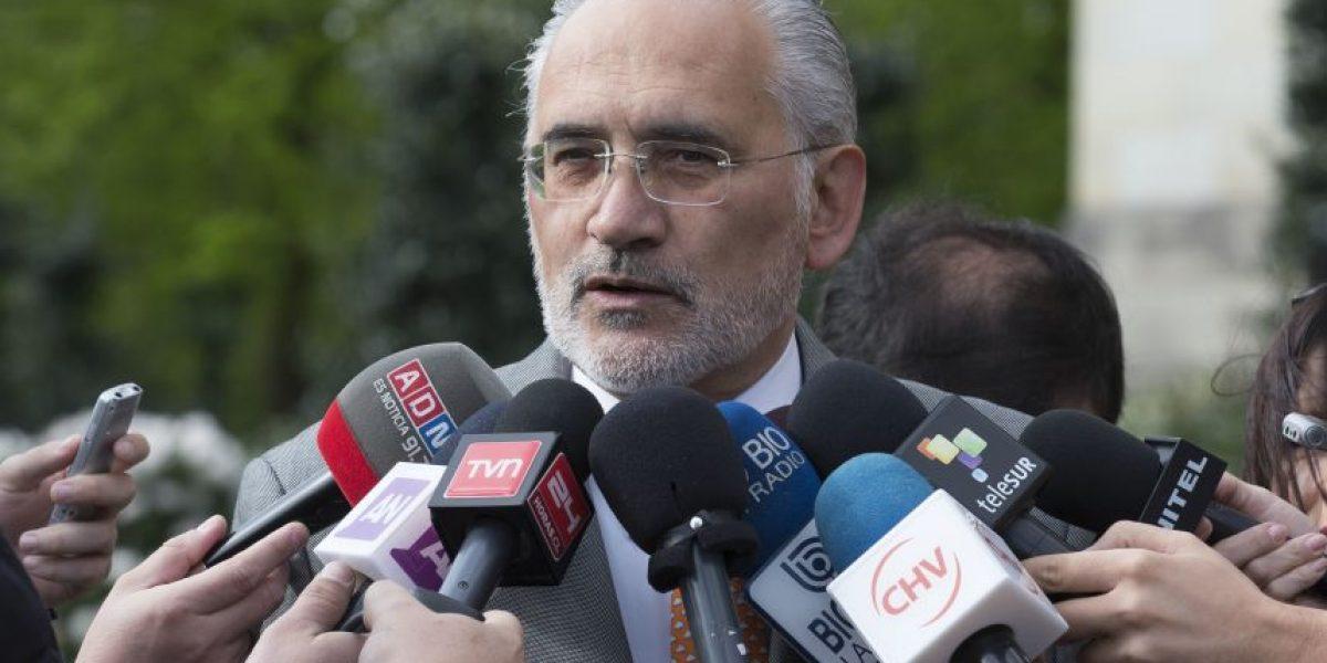 Diputados DC envían oficio a TVN tras entrevista a ex presidente de Bolivia