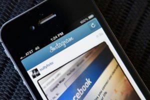 En 2012, Facebook compró Instagram por mil millones de dólares. Foto:Getty Images. Imagen Por: