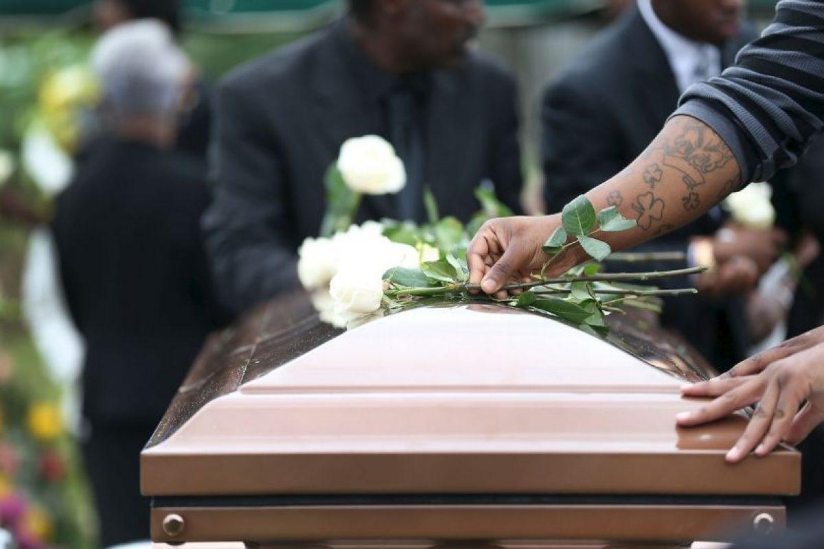 La defensa de los padres ha argumentado que se desconoce si los médicos hubieran podido salvarle la vida. Foto:Getty Images. Imagen Por: