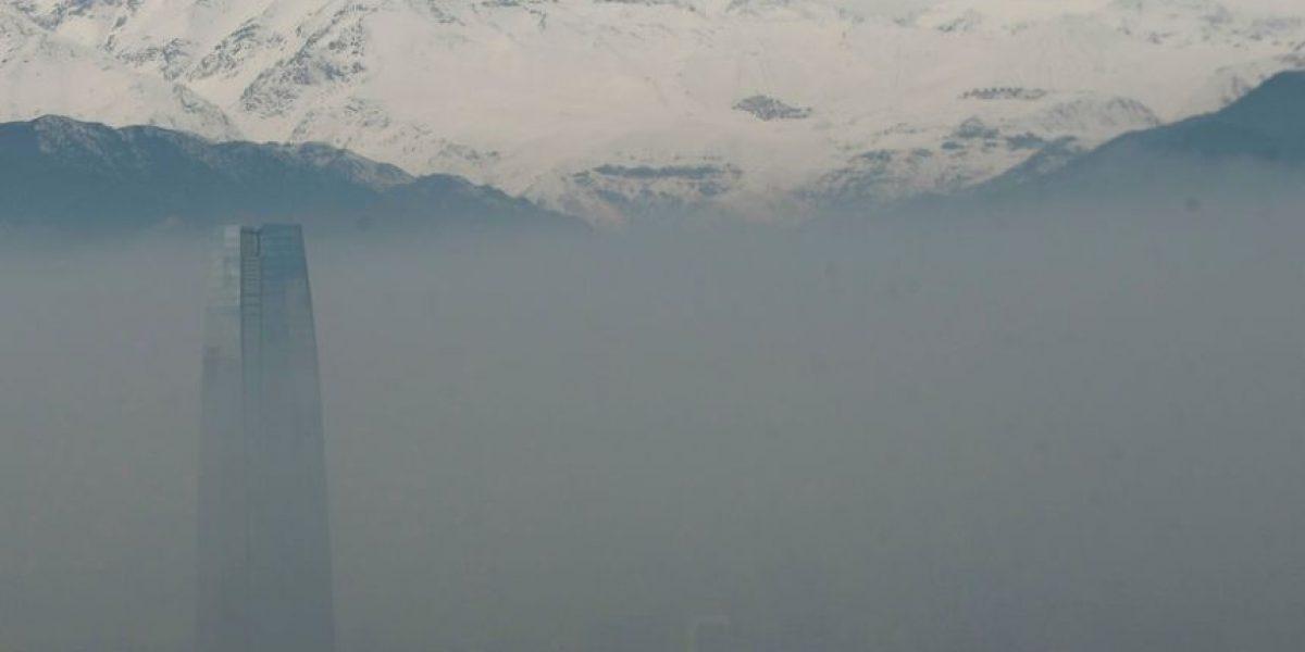 Intensa niebla en Santiago retrasa tránsito en el sector oriente