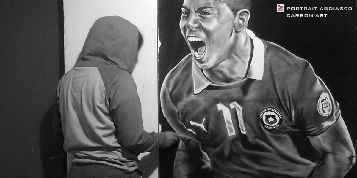 ¡Impresionante! Dibuja a los cracks de la selección chilena sólo con carbón