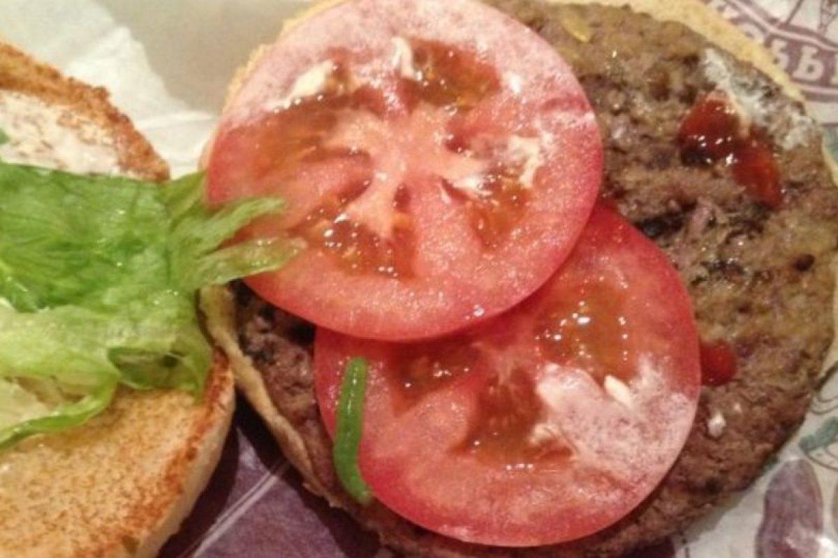 Gusano en hamburguesa. Foto:vía EpicFail.com. Imagen Por: