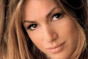 Elisa Bridges murió a los 28 años en una cama, en 2002. Foto:vía Playboy. Imagen Por: