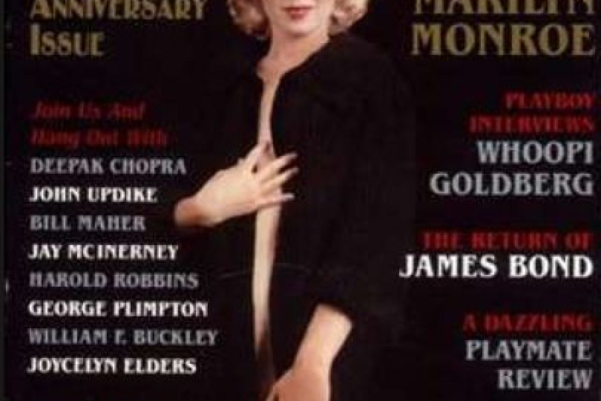 ¿Qué se puede decir de Marilyn Monroe, cuyas fotos aparecieron en 1953, pero se las tomó cuando no era nadie? Hefner, que apenas empezaba en el negocio, mostró la portada con las fotos de la actriz, que estaba en lo más alto de su carrera. Foto:vía Playboy. Imagen Por: