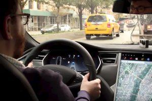 Se trata del nuevo sistema de piloto automático de esta compañía. Foto:Jalopnik/YouTube. Imagen Por: