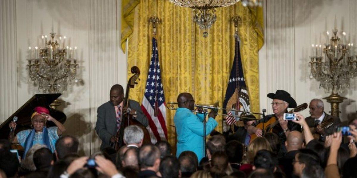 La visita de Buena Vista Social Club a la Casa Blanca, en imágenes