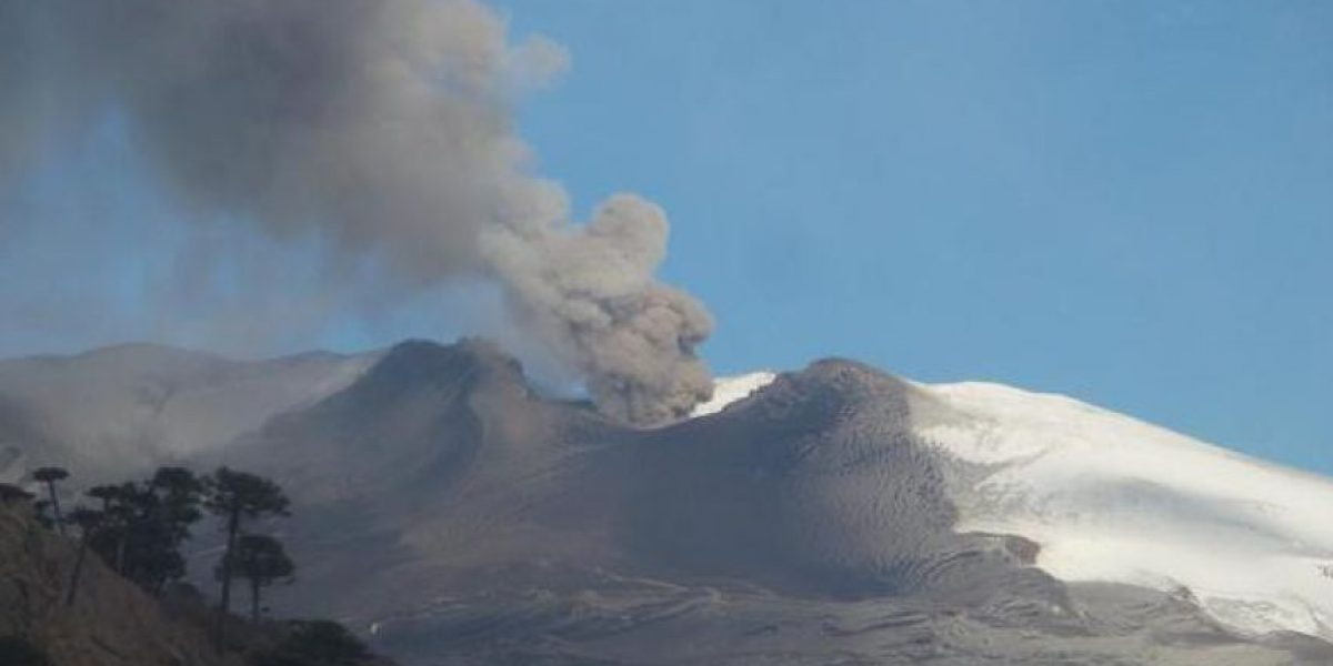 Vuelve la actividad en volcán Copahue: captan intensa fumarola