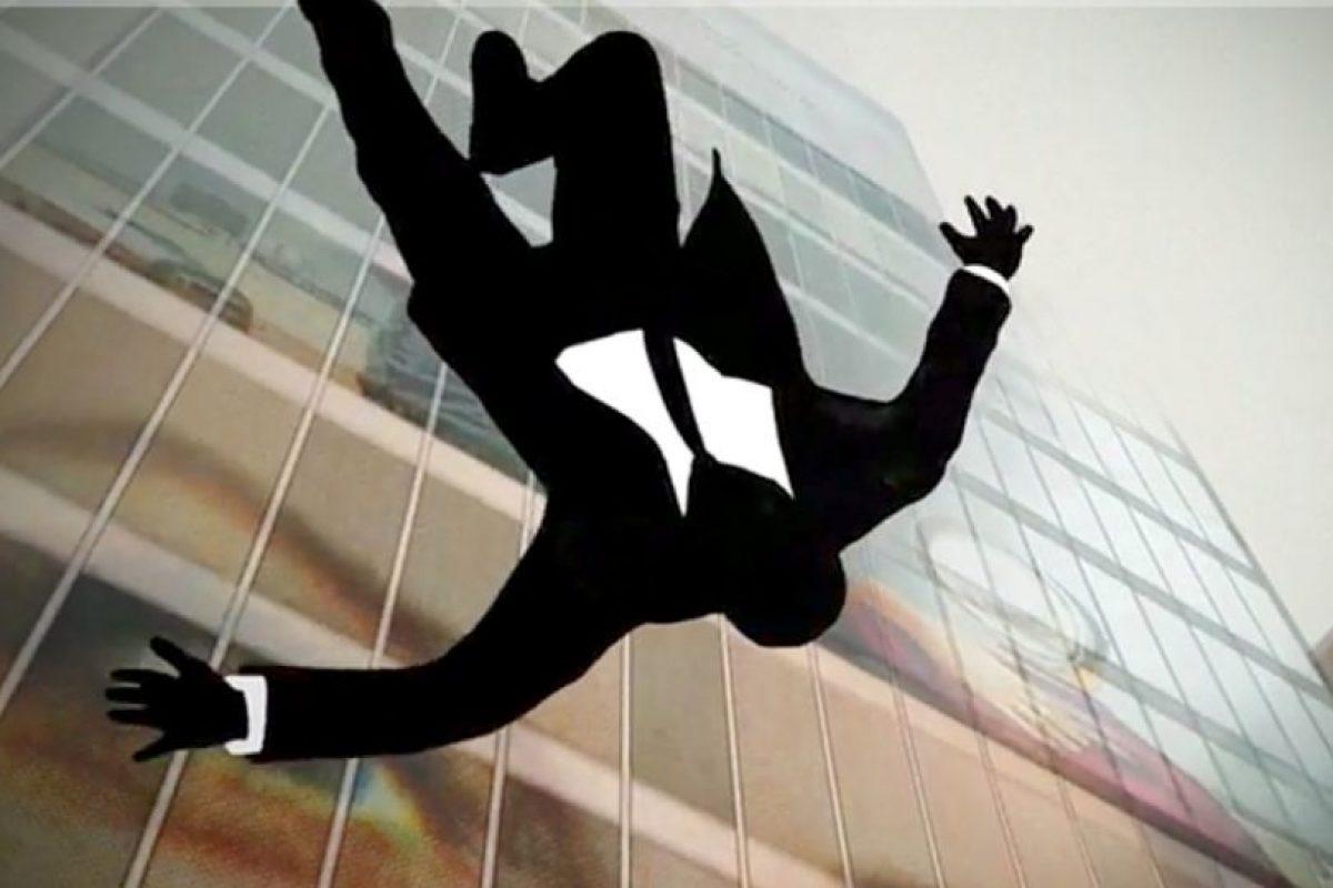 O se precipitan rápidamente de un edificio. Foto:vía AMC. Imagen Por: