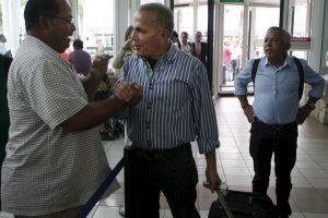Manuel Rosales, político opositor, fue detenido por las autoridades de Venezuela luego de llegar en avión al país. Foto:AP. Imagen Por: