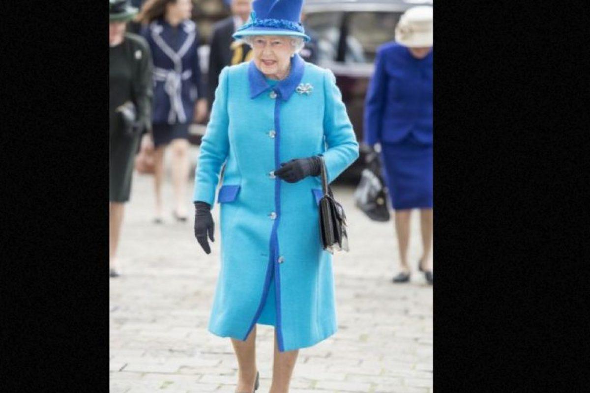 3. Es la primera monarca británica en lograr celebrar sus bodas de diamante (75 años). Foto:vía Getty Images. Imagen Por:
