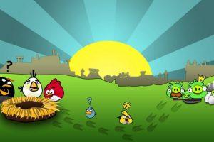 """""""Está en juego la supervivencia de los Angry Birds. Sirvan una venganza bien fría a los gorrinos que les robaron los huevos. Usen los poderes exclusivos de cada pájaro para acabar con las defensas de los cerdos"""". Foto:Rovio. Imagen Por:"""