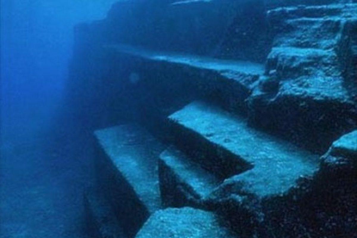 En 1985, una serie de expediciones en la Isla de Yonaguni, en Japón, a cargo de Kihachiro Aratake, sugirieron que existía una ciudad submarina en la región. Foto:Instagram.com/carolinecorbasson. Imagen Por:
