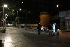 Fotografía 1 de noche con la cámara posterior Foto:Publimetro / Víctor Jaque. Imagen Por:
