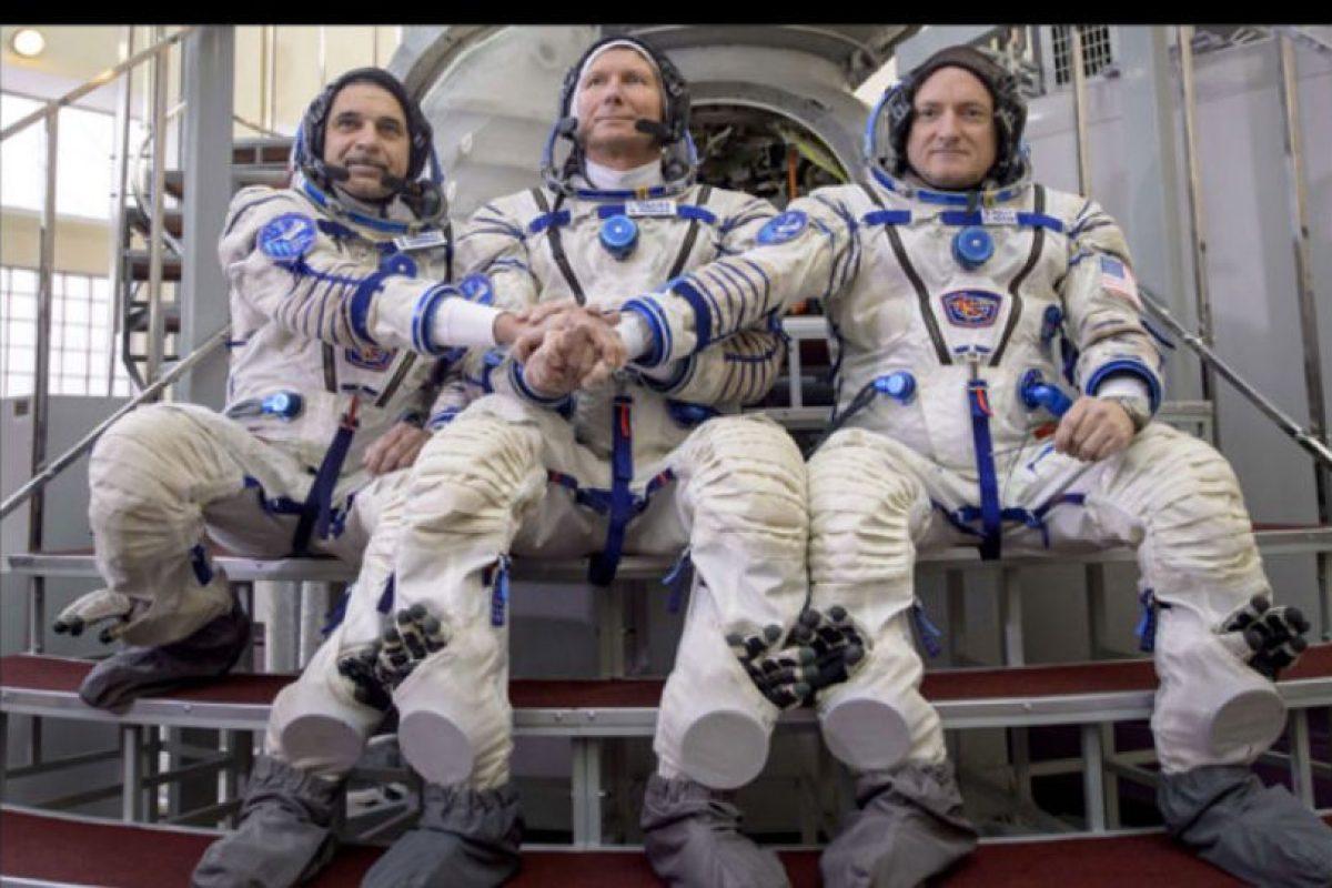 En la misión está acompañado de dos cosmonautas rusos. Foto:Vía nasa.gov. Imagen Por:
