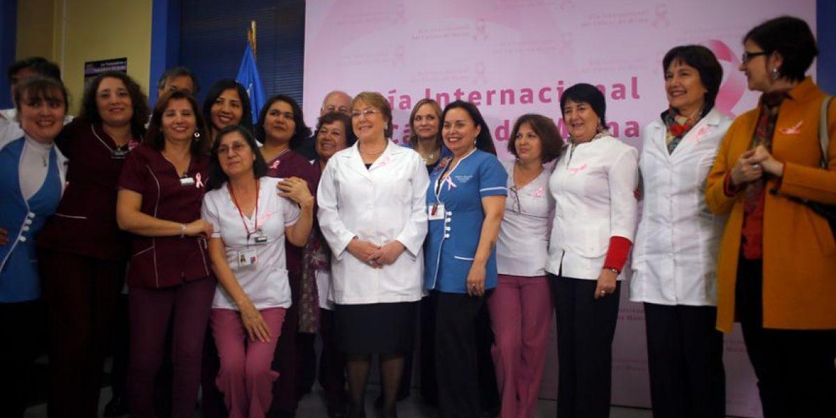 Día internacional del cáncer de mama: Presidenta hace un llamado a la prevención