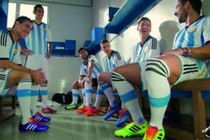 2. Selección de Argentina. Foto:Vía facebook.com/FundacionLeoMessi. Imagen Por: