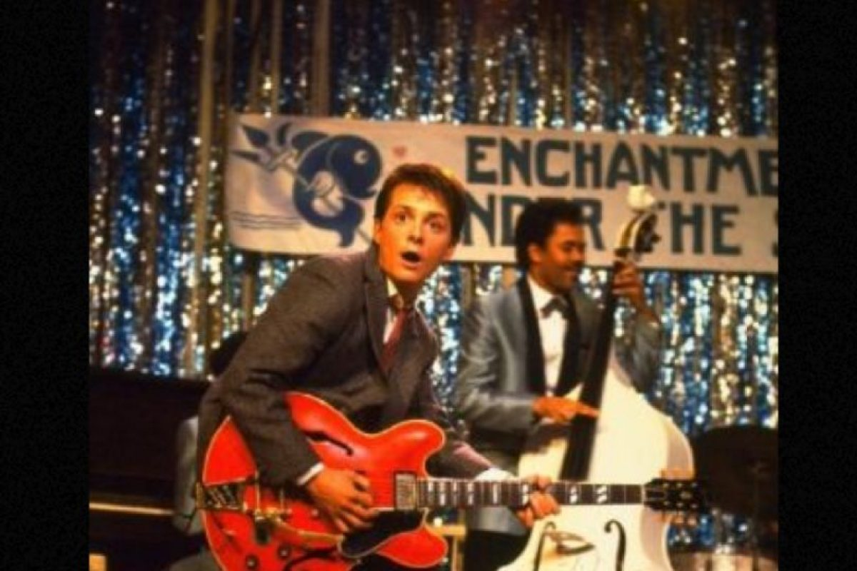 "Michael J. Fox interpretó a ""Marty"". Foto:vía IMDB. Imagen Por:"